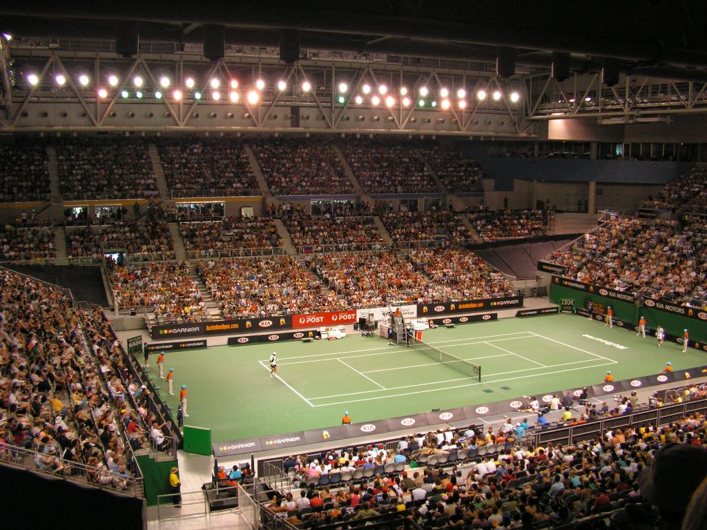 10,000 in a sports arena watching tennis